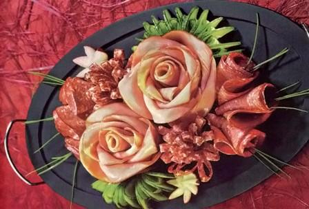 Как сделать цветок из колбаски